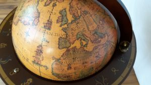 Globus Bar Minibar Enea Zoffoli Details Karte 3