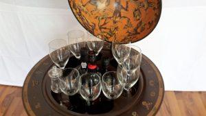 Globus Bar Minibar Enea Zoffoli Innenraum Flaschen Gläser Minibar Barwagen 9