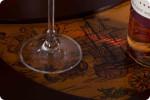 Globusbar Ratgeber, Globus-Bars, Globus-Barwagen 33035, Nahaufnahme der Tischplattenverzierung