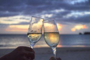 Weißwein kühlen Whisky Steine