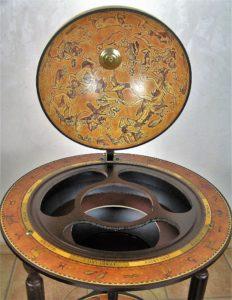 Globus Bar Da Vinci Rust Innenraum